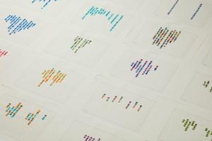 河口龍夫《失語の詩》 原稿用紙100枚、鉛筆、水彩 2017年 作家蔵