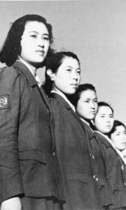 林忠彦《整列する防空女子通信隊》1942年頃