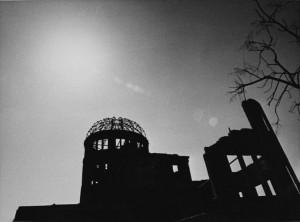 浜口タカシ《原爆ドーム(「人類初の惨禍」より)》1966年